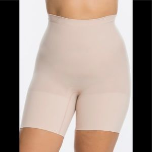 DISPLAY SPANX Power Shorts Nude 1X *flaw*